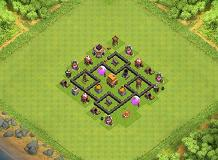 small but TERRIBLE TH 4 Clash of Clans Base Layout